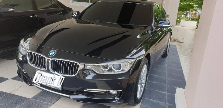 BMW BMW 320 i luxury  2012