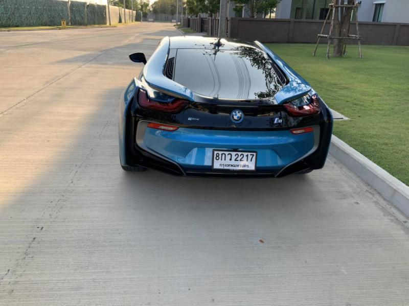 BMW i8 impulse  2016