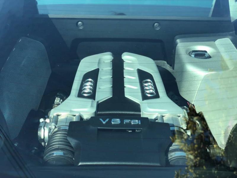 0 R8  V8 Coupe 4.2  FSI Quattro 2008