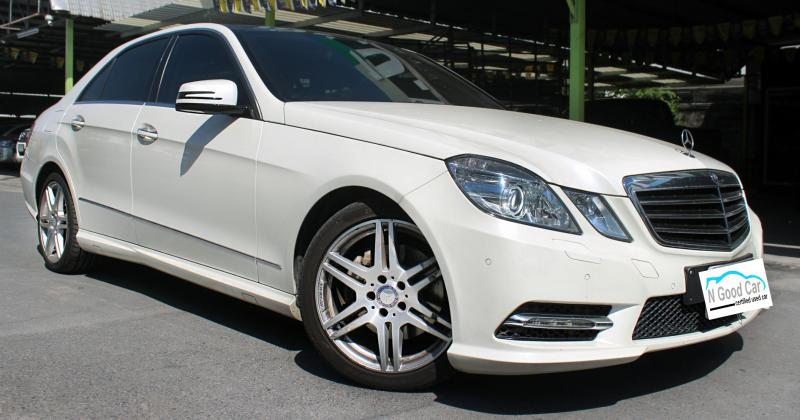 BENZ E200 2013
