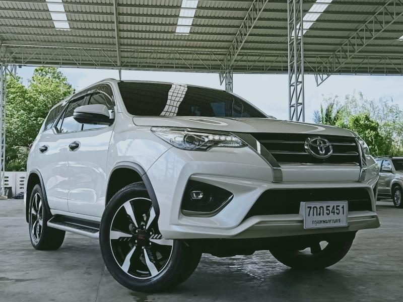 TOYOTA fortuner 2.8 trd 4wd 2018