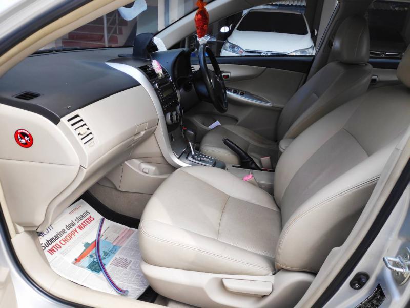 TOYOTA Corolla Altis 1.6 G 2013