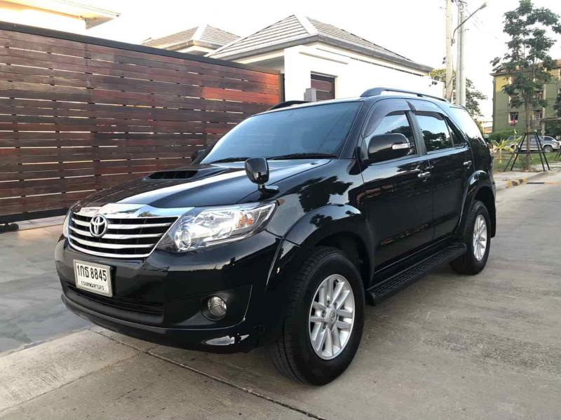 TOYOTA Fortuner 2WD  2013
