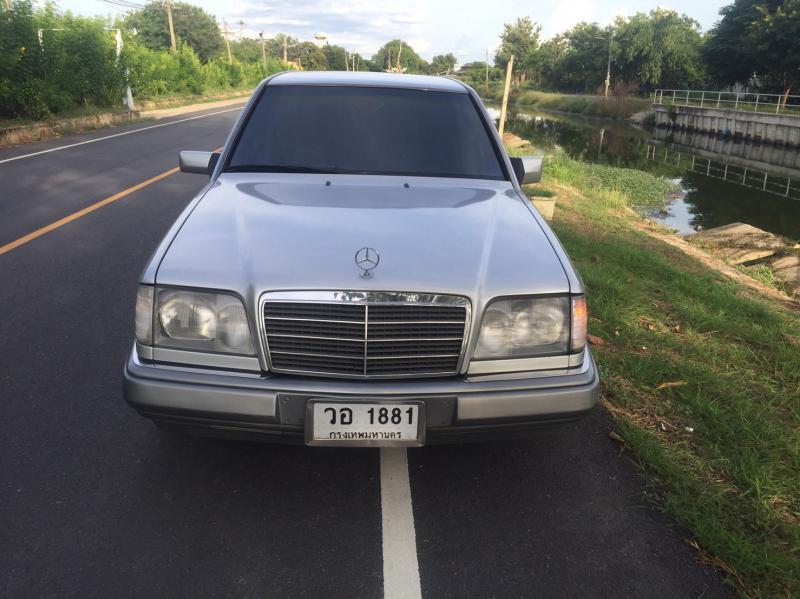 BENZ E220 A 1995