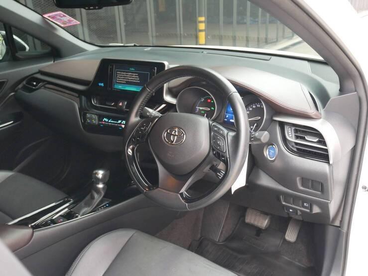 TOYOTA ขายรถ TOYOYA C-HR 1. 2018