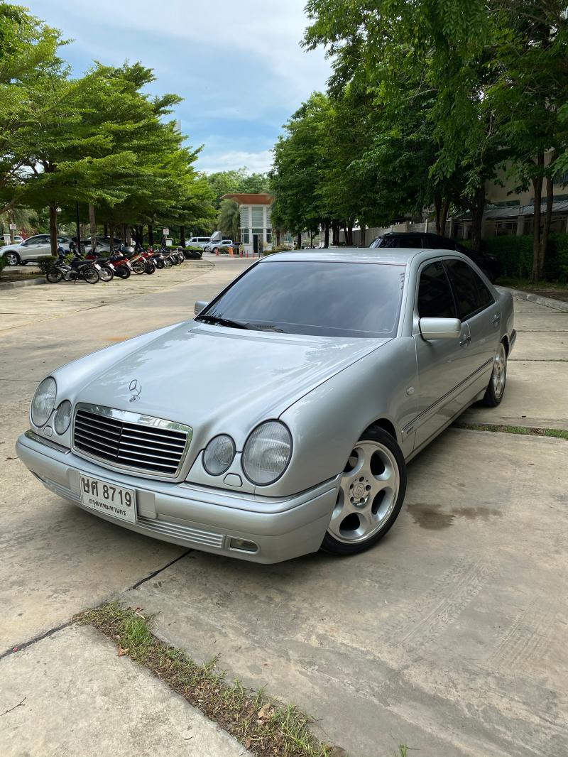 BENZ E230 1996