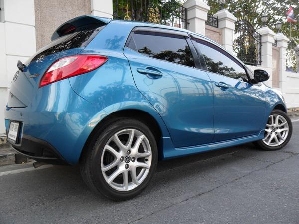 MAZDA Mazda2 2013