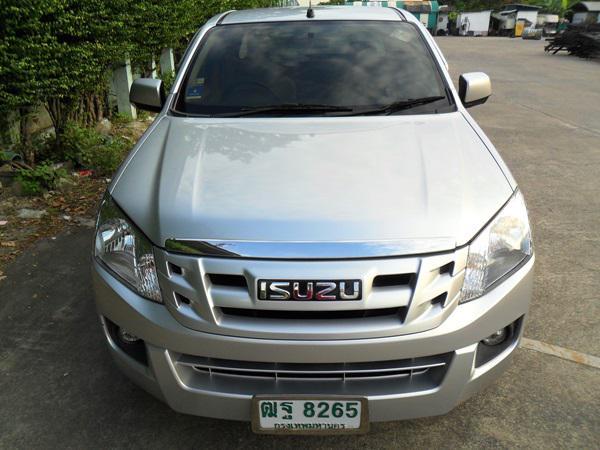 ISUZU Space Cab 2012
