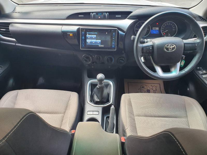 TOYOTA Hilux Revo 2.4E 4WD  2017