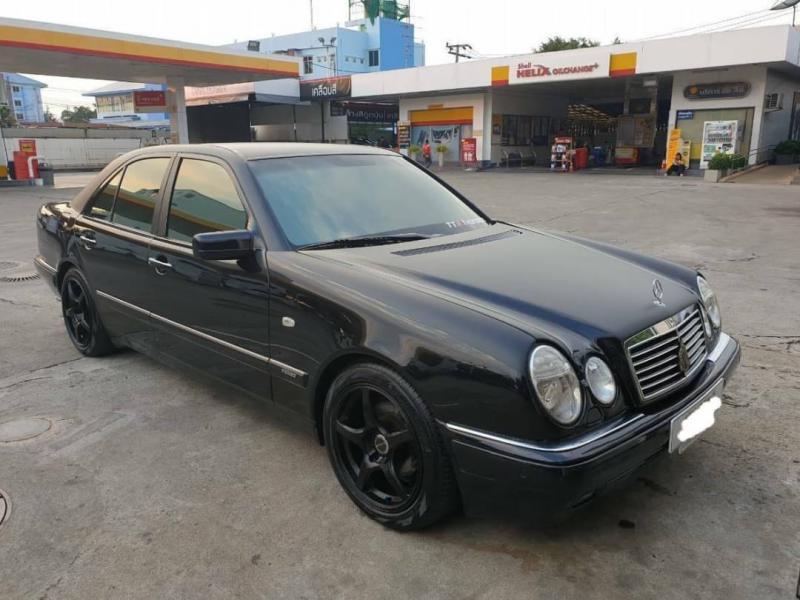 BENZ E230 1999