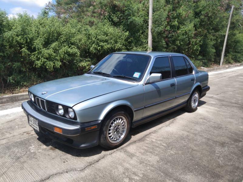 BMW e30 1990