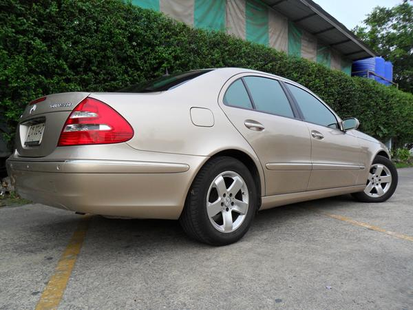 BENZ E200 2004