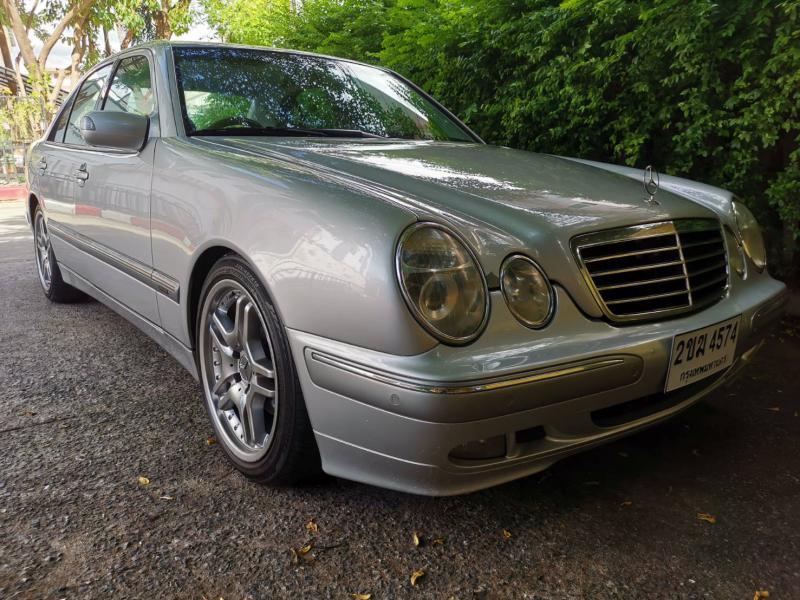 BENZ E240 1999