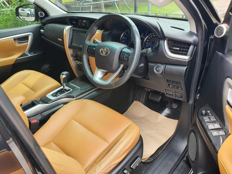 TOYOTA Fortuner 2.8V 4WD  2016
