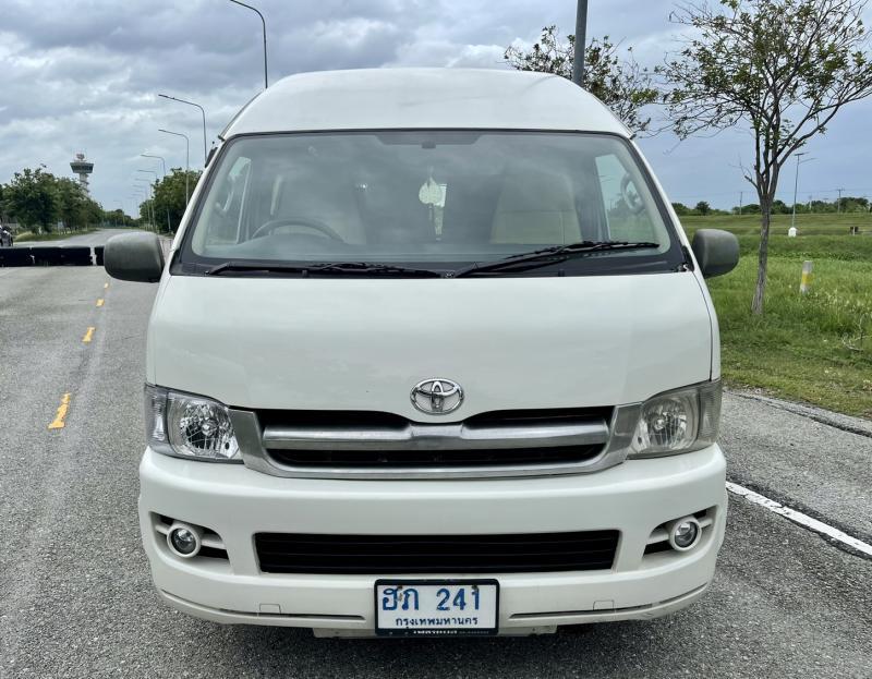 TOYOTA Commuter 2007